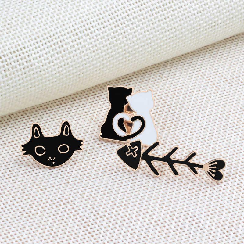 Kartun Hitam Putih Pasangan Kucing Ikan Tulang Logam Enamel Pin Bros Wanita Kekasih Kerah Ransel Kerah Jarum Hewan Lencana Perhiasan
