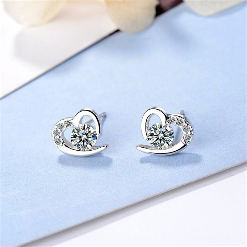 New Temperament Exquisite 925 Sterling Silver Jewelry Sweet Hollow Heart Shaped Love Crystal Stud Earrings SE670