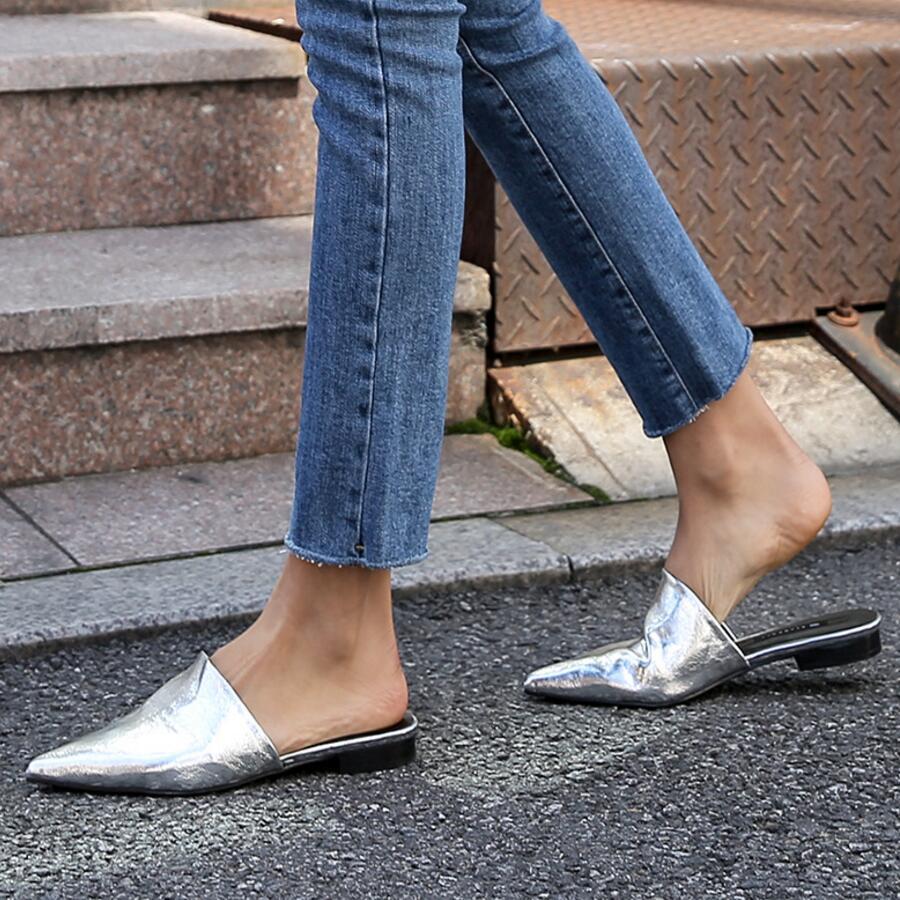 Luxury Designer Closed Pointed Toe Slippers Pleated