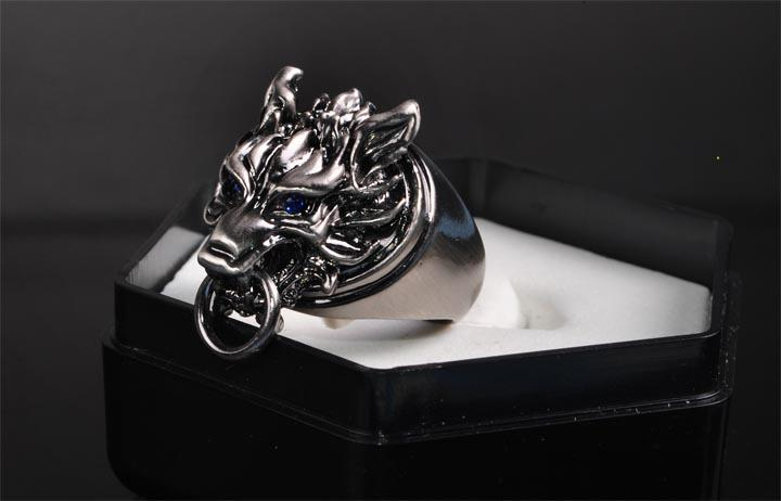 Final Fantasy 7 FF7 Cloud Strife Buster Wolf Head Ring Anime Jewelry