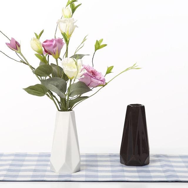 Moderne Vasen die kanten und ecken vasen keramik weiß schwarz tabletop vase