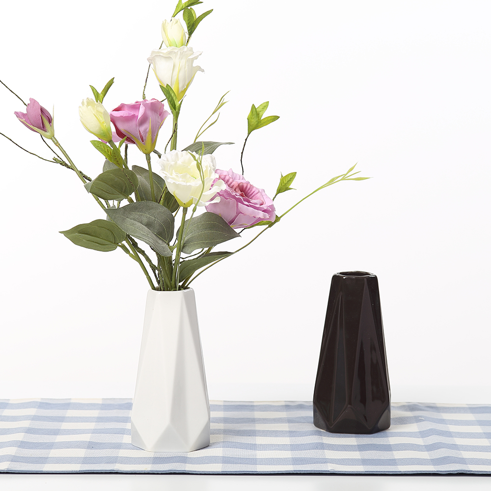 The Edges & Corners Vases Ceramic White Black Tabletop Vase Home Decoration vase Fashion Modern vases