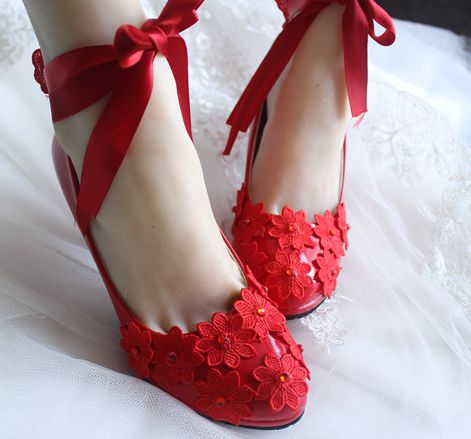 ФОТО 9cm high heels red parties pumps shoes womens handmade ribbons belt lace flowers red wedding shoes with platforms TG414 sales