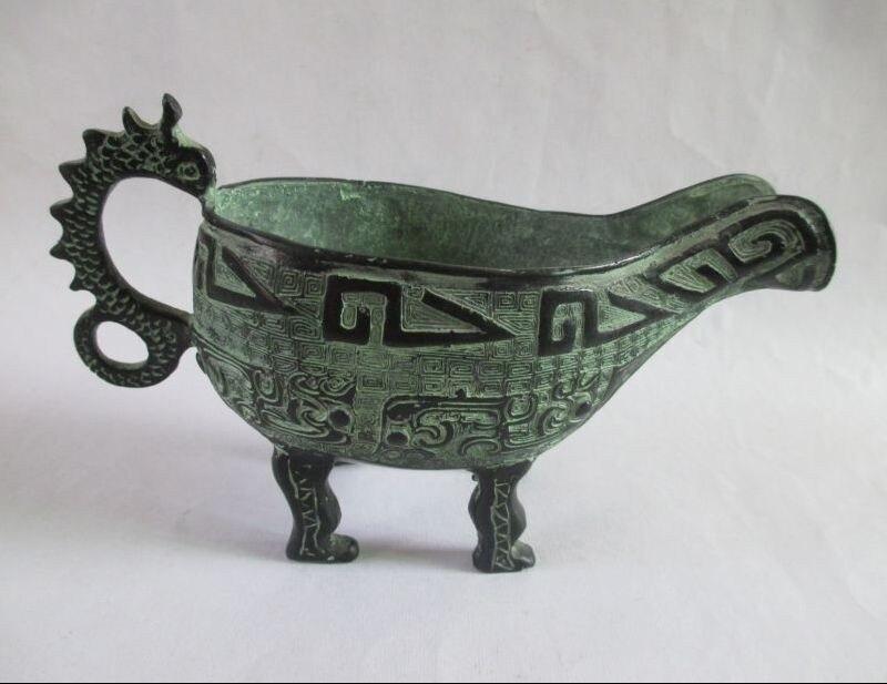 TNUKK a élaboré des inscriptions antiques chinoises en bronze antique sculpture de vin de dragon.