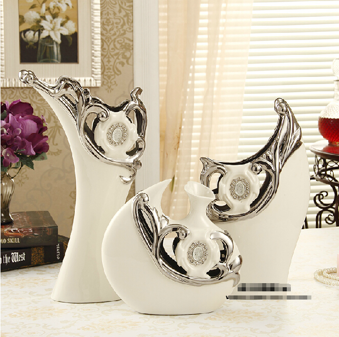 European-style three-piece ceramic vase upscale living room TV cabinet ornaments ornaments marriage room furnishings