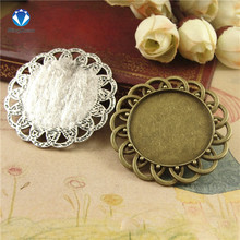 MINGXUAN 10pc/lot Antique Bronze Round Cabochon Setting Pendants 30mm Flower Pendant Tray Two color C754