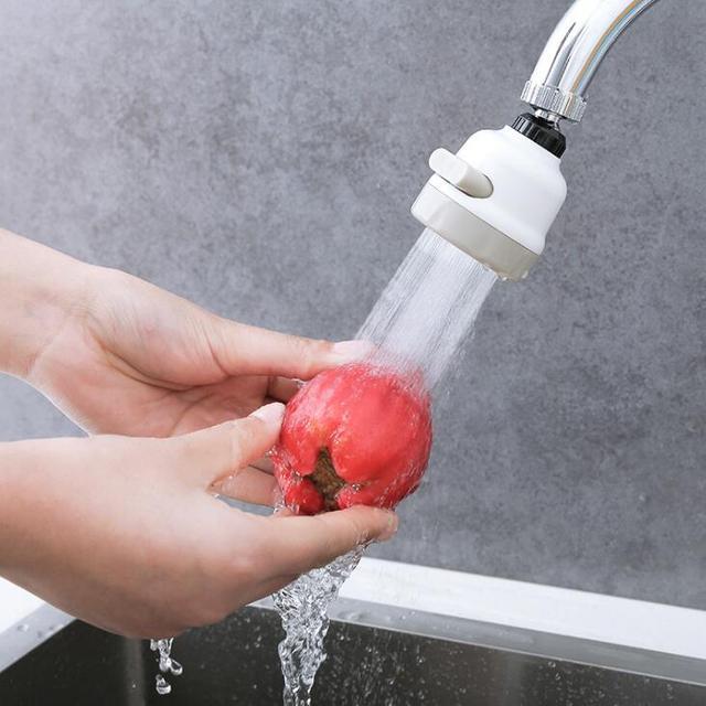 可動キッチンタップヘッドユニバーサル 360 度回転可能な蛇口節水スプレー 3 モード