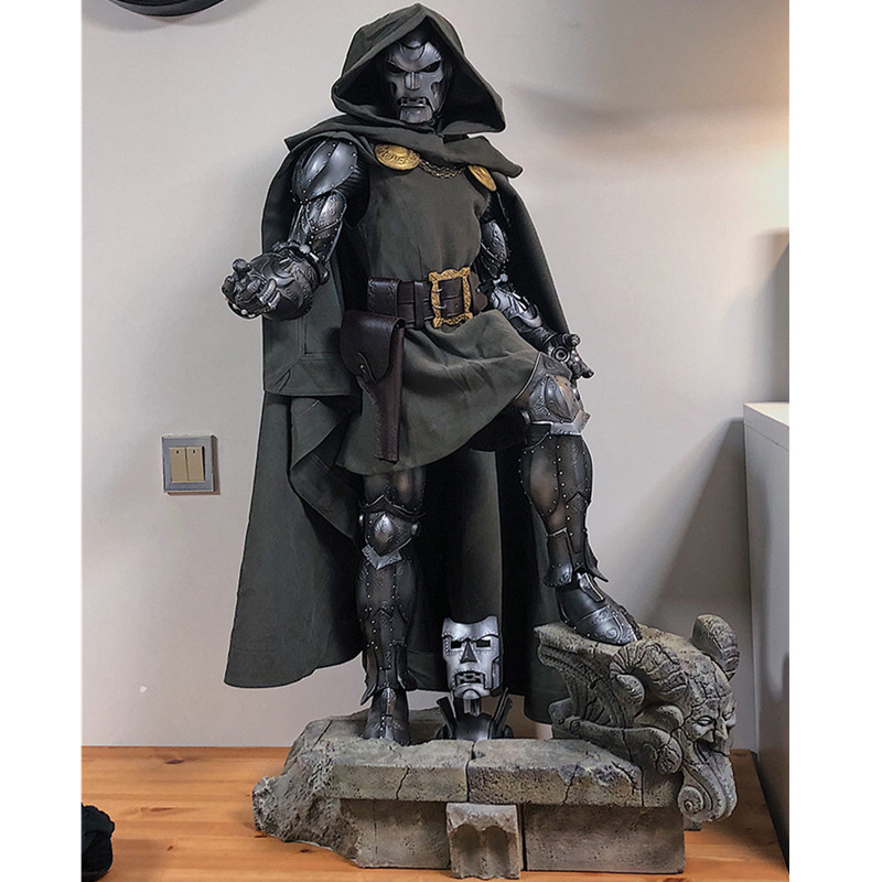 1:2 Fantastic Four Victor von Doom Doctor Doom Full-length Portrait Statue Action Figure Model Giocattolo G25291:2 Fantastic Four Victor von Doom Doctor Doom Full-length Portrait Statue Action Figure Model Giocattolo G2529