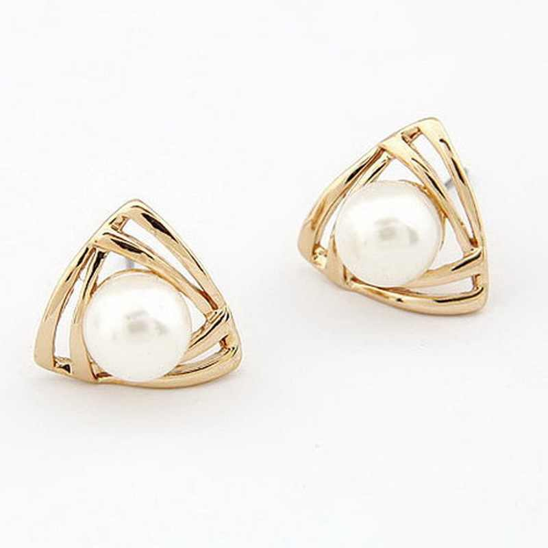 Korean Style Earrings Triangular Pearl Stud Earrings Korean Version of Small Jewelry Smooth Earrings