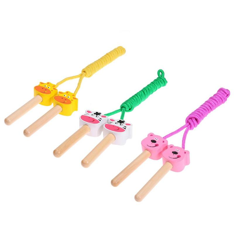 Lovely Cartoon Animals Style Jumping Rope Kids Wooden Handled Jumping Rope Skipping Cord for Kids Outdoor Fitness Game