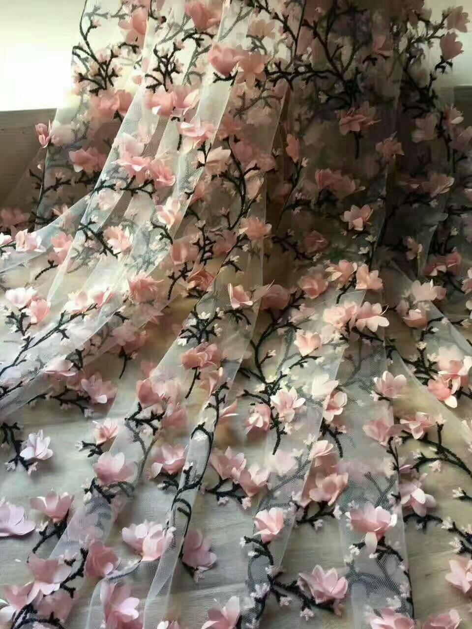 2018 Envío gratis 100% tela africana del cordón diseño 3DLace Alta - Artes, artesanía y costura