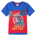2015 nova embroma la ropa 100% de algodón con el patrón de impresión carta y montacargas elegante bolsillo de los bebés del verano de manga corta t-shirt