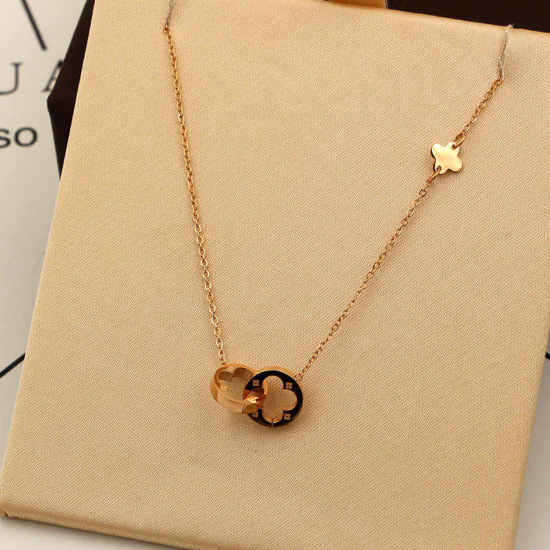 Women Jewelry Two Circle Double Buckle Necklace Hollow Clover Pendant Necklace Female Stainless Steel Gold Clavicle K0024