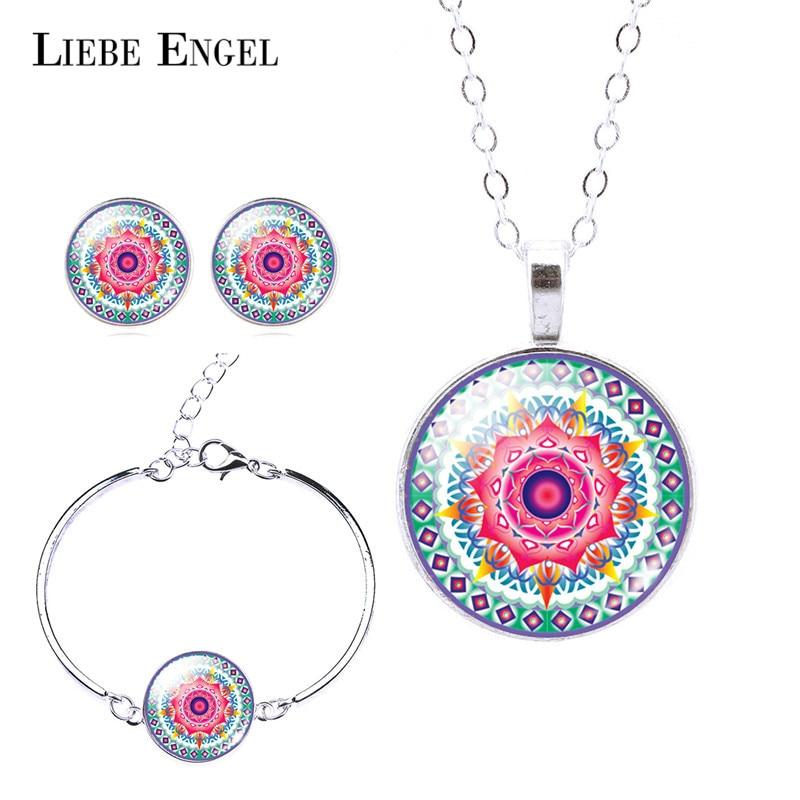 LIEBE ENGEL Klassische Silber Farbe Schmuck Set OM Symbol Buddhismus Zen Bild Halskette Bolzenohrring Armband Armreif Sets Schmuck