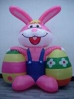 Самый популярный открытый 10 футов гигантский надувной Пасхальный кролик, держащий два яйца украшения