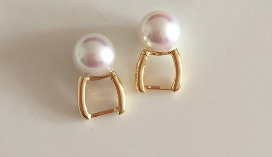 stunning 10-11mm south sea white pearl dangle earring 18kstunning 10-11mm south sea white pearl dangle earring 18k