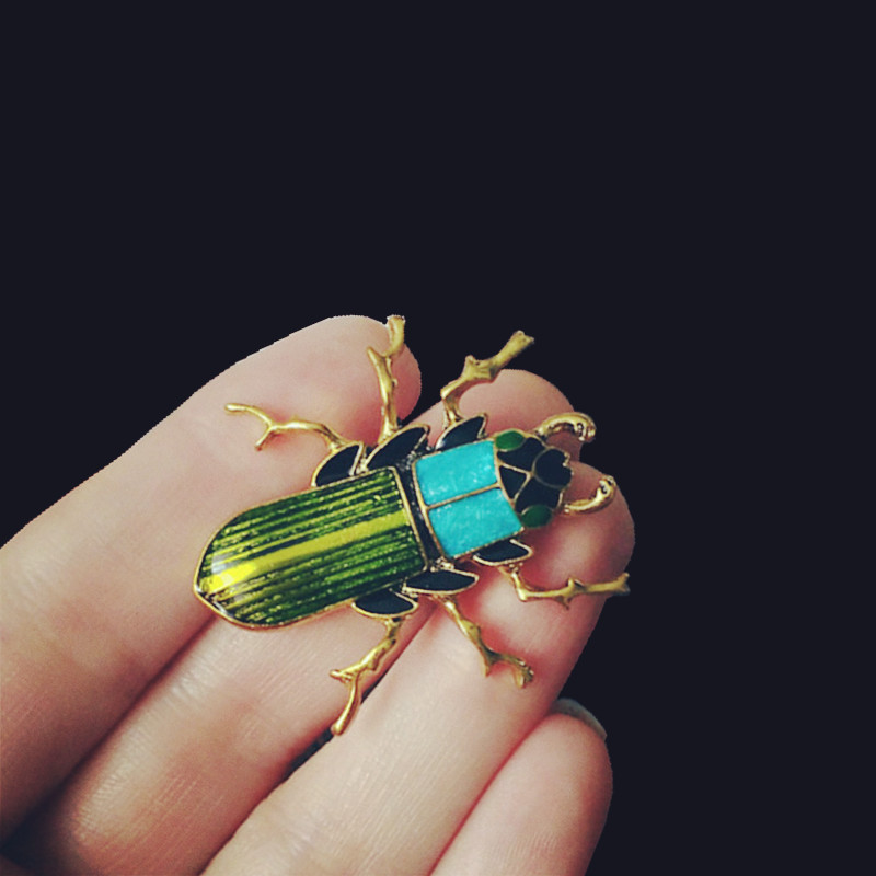 Vintage Design Gold Color Beetle Brooches for Women Dress Scarf Insect Brooch Green Enamel Pin Jewelry Accessories Men Kid Gifts