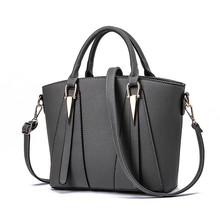 Women Bags Luxury Handbags Famous Designer Women Messenger Bags Casual Tote Designer High Quality 2019 NEW Interior Slot Pocket
