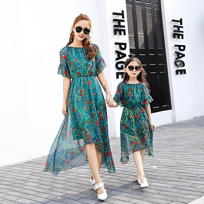 2017 Summer Matching Mother Daughter Dress Family Matching Clothes Falimly Look Outfits Dreess Girl Enfant Chiffon Maxi Dresses summer style family matching outfits mother daughter dresses contrast color blue a line dress ankle length mother & kids clothes