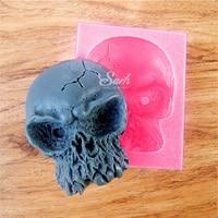 En gros/au détail, livraison gratuite, 1 PCS Halloween Crâne et os croisés Pli sucre moule en silicone gâteau moule de cuisson outil