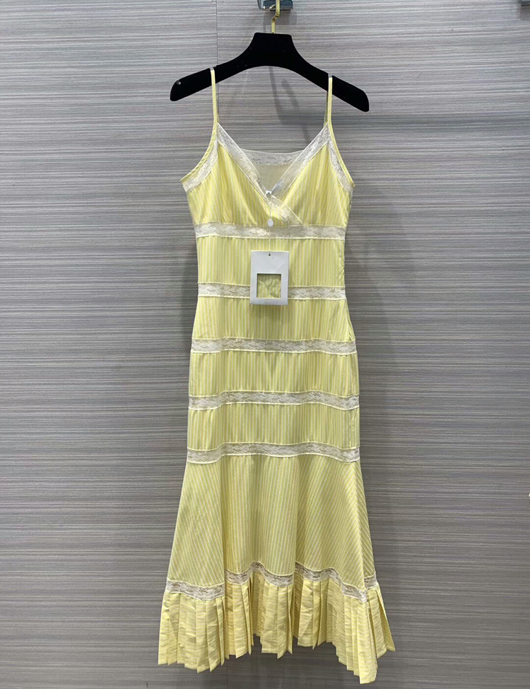 women fashion 2019 lace striped sleeveless dresses at190120-in Dresses from Women's Clothing    1