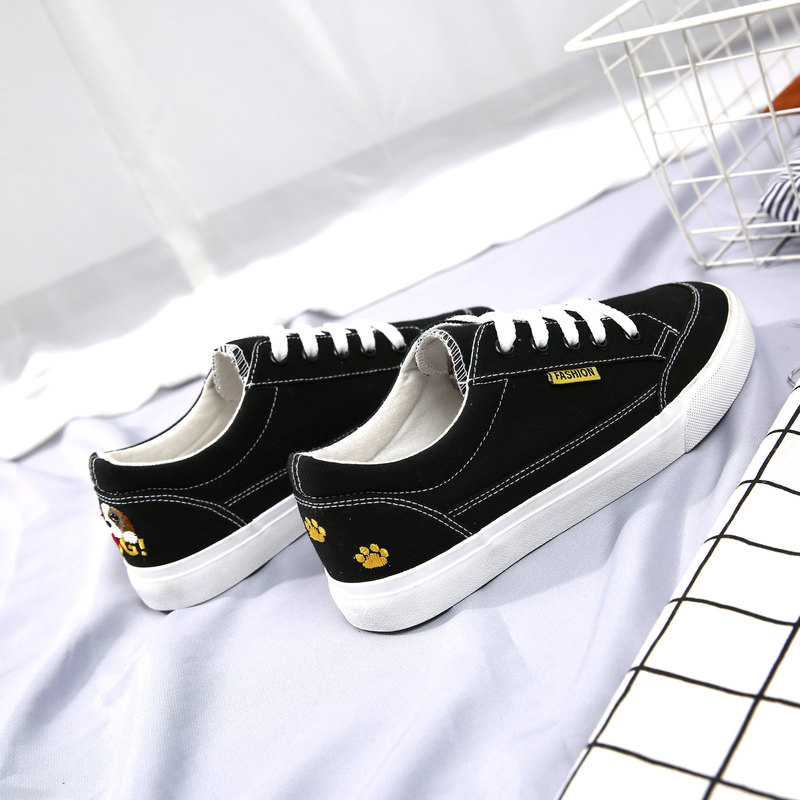 2018 spring and autumn breathable cloth shoes wild fashion trend canvas shoes flat lace casual shoes