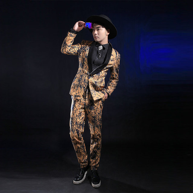 Мода Золото Печати Slim Костюмы Для Мужчин Случайные Мужской Этап Певица Производительность Костюм Blazer Брюки Установить Ds Костюмы Одежда Наборы