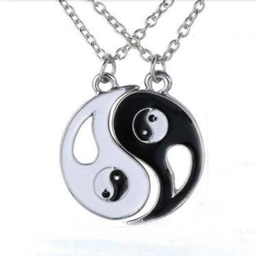 2 Pcs Black White Yin Yang Hollow Pendant Necklace Couple Sister Friend Jewelry