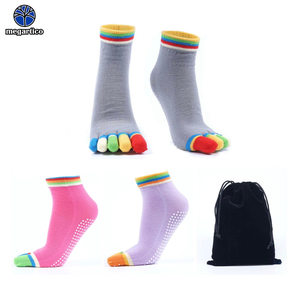 Anti Slip Non Skid Cotton Socks,4 pairs Unisex Grip Socks for Yoga Home Workout Barre Pilates Hospital Adults Men Women