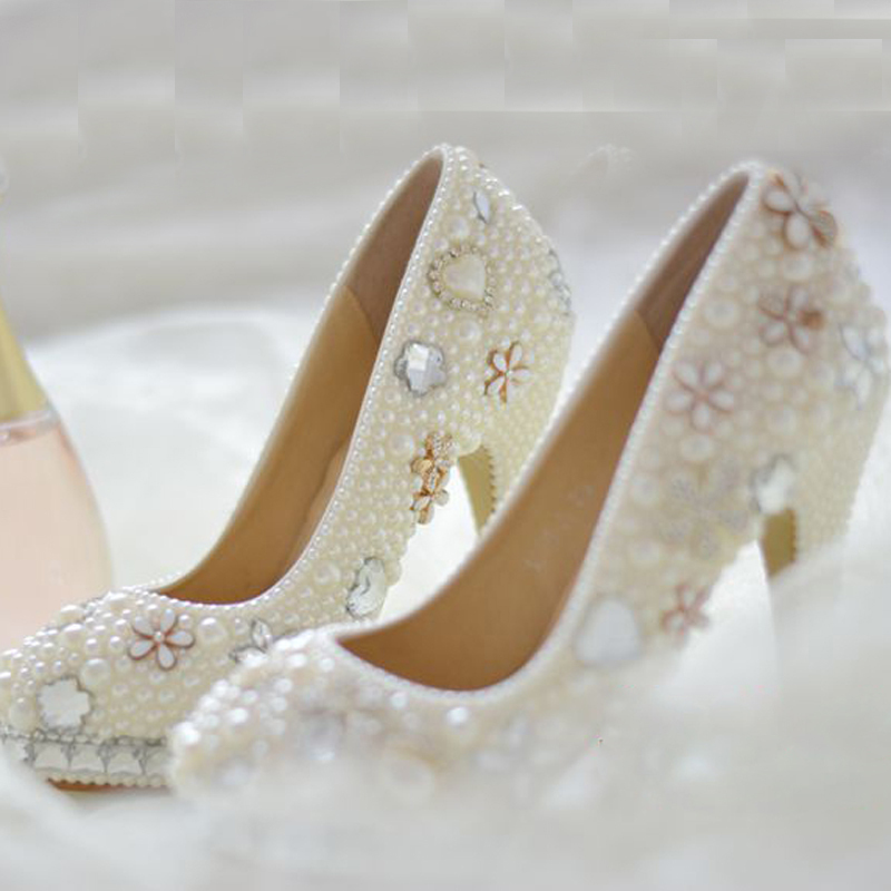 Handmade Round Toe White Imitation Pearl Crystal Formal Shoes Gorgeous Wedding Bridal Dress Shoes Woman Party Shoes Lady Shoes luxurious ecru white bridal shoes crystal diamond 5cm low heeled shoes elegant imitation pearl wedding dress shoes