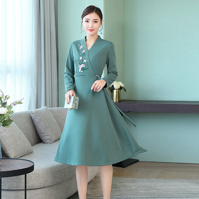 a6f6cdcc7f Green midi dress Women long sleeve embroidery Chinese elegant print floral  party dresses plus size big