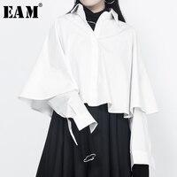 EAM 2018 New Spring Lapel Long Sleeve Split Joint White Loose Big Size Short Shirt