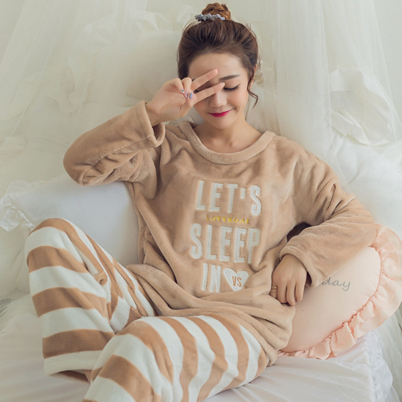 Flannel Thick Fleece Warm Women's   Pajamas     Set   O neck Cartoon Pullover and Long Trousers Women 2018 Winter Autumn Nightie Woman