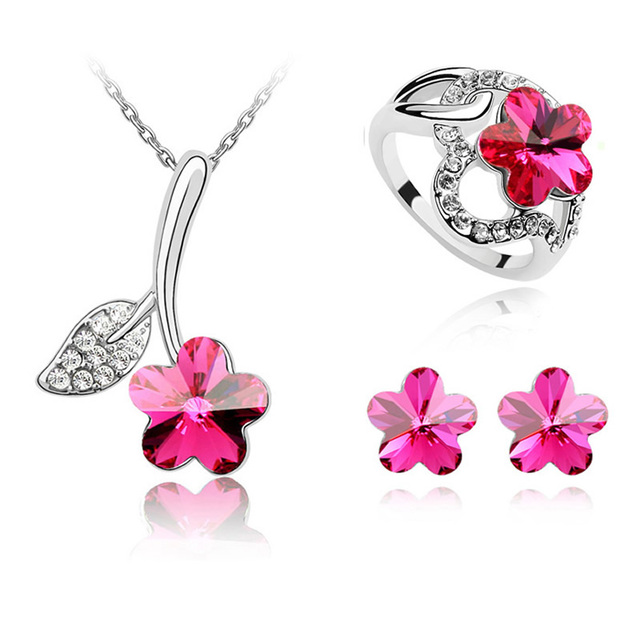 Crystal from Swarovski Sweet Elegant Woman Flower Pendant Necklace Stud Earrings Rings Jewelry Set Made with Swarovski Element