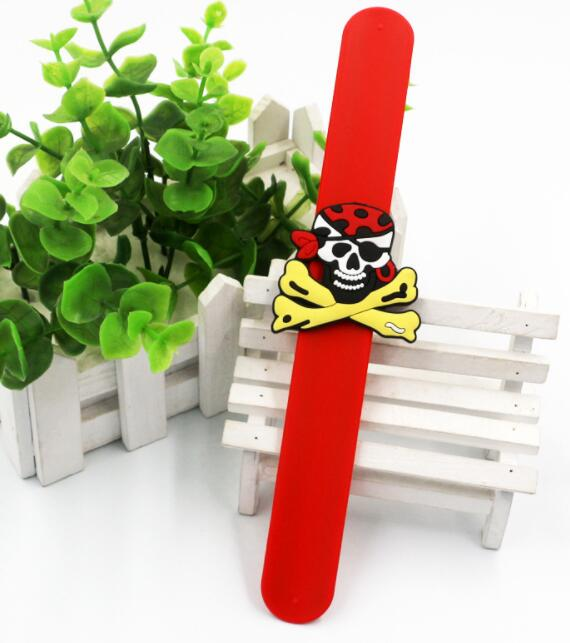 Mix 50 pcs  Popular pirate mixed  Silicone collar Wristband  Color Bracelet  B 44-in Bangles from Jewelry & Accessories    2