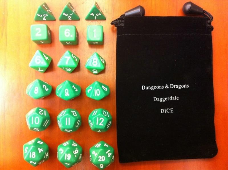 Το κύλινδρο των ζαριών [πράσινο 18 κόκκους συσκευασίας + όμορφη ειδική σακούλα D & D] παίζει παιχνίδι και στηρίγματα παιχνιδιών