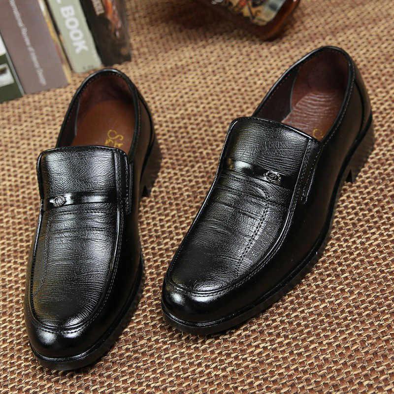 Italiaanse Merk Lederen Heren Formele Schoenen Mannen Klassieke Oxford Schoenen voor Mannen Lederen Kleding Schoenen Mannen Loafers Black & Brown