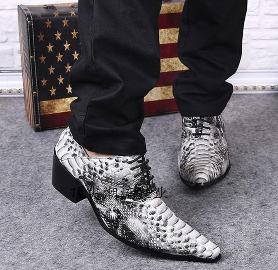 Spring Mens Leather Shoes Spiked Loafers Pointy Crocodile Skin Shoes Zapatos Designer 2018 Formal Shoes Men Party Dress Oxford Men's Shoes Formal Shoes