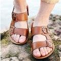 Verano sandalias de cuero de playa zapatos de los hombres casuales fresco zapatillas nuevo 082 2017