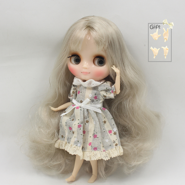 Factory Middie Blythe Doll Silver Grey Hair Jointed Body 20cm