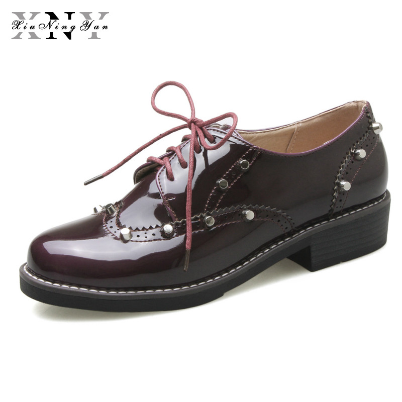 XIUNINGYAN Casual Shoes Woman Lace Up Derby Metal Oxfords Patent Leather Round Toe Low Heel Brogue Flat Shoes Women Plus Size 43 xiuningyan soft leather women shoes brogues lace up flat pointed toe patent leather white oxfords women casual shoes for women