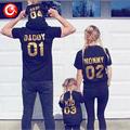 2017 Mirada de la Familia Padre Madre Hijo Duagther Ropa A Juego Para Mamá Papá de Los Cabritos Del Bebé de Algodón de Manga Corta T shirt Trajes