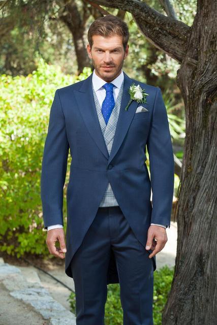 Dernières Manteau Pantalon Designs Bleu Marine De Mariage Costumes pour  Hommes Veste marié Smoking Maigre 3 c4cb391ef37