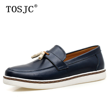 цена TOSJC Man Casual Tassel Loafers Genuine Leather Luxury Men Wedding Business Dress Shoes Men's Breathable Slip-on Flats Mocassins онлайн в 2017 году