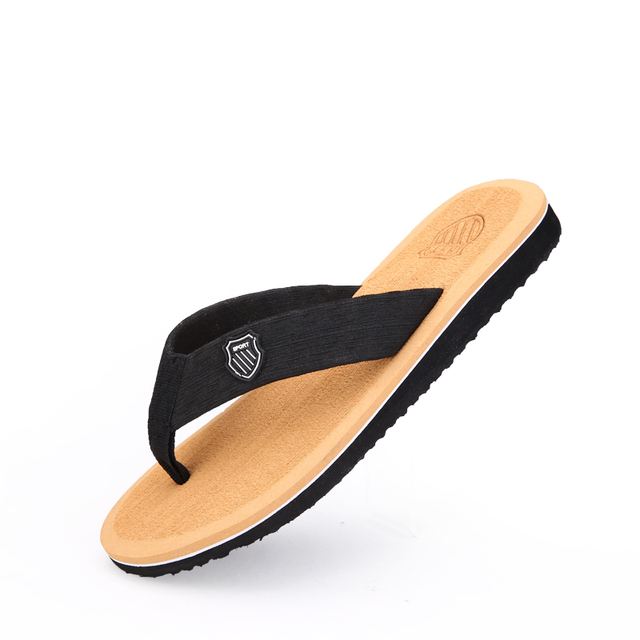 18b6632bfbc3 New 2019 Men Slippers Summer Beach Sandals Slippers Fashion Mens Flip Flops  Slippers Sandals Men chinelo masculino 3 color