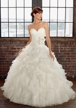 New Attractive White Ivory Organza Sweetheart Ball Gown Hot Selling 2018 Bridal Sleeveless mother of the bride dresses