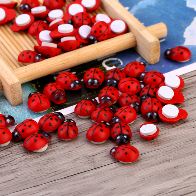 100pcs/Bag Wooden Ladybird Ladybug Sticker Children Kids Painted Adhesive Back DIY Craft Home Party Sticker Decoration