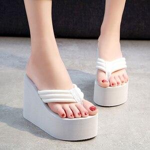 Image 5 - Chinelos de praia das mulheres chinelos macios eva 2020 verão sapatos plataforma mulher super salto alto moda feminina slides cunhas sandálias