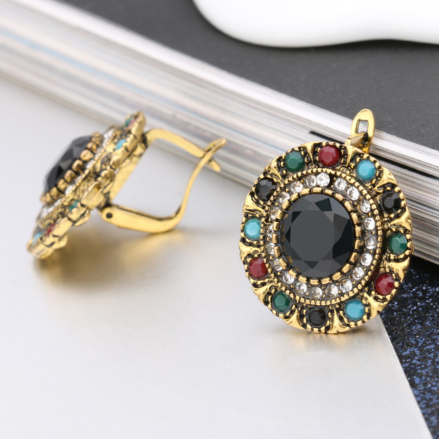 Vintage Jewelry Bohemian Style Crystal Earrings For Women Gold Colorful Resin Stud Earings Trending Products 2018 Wholesale