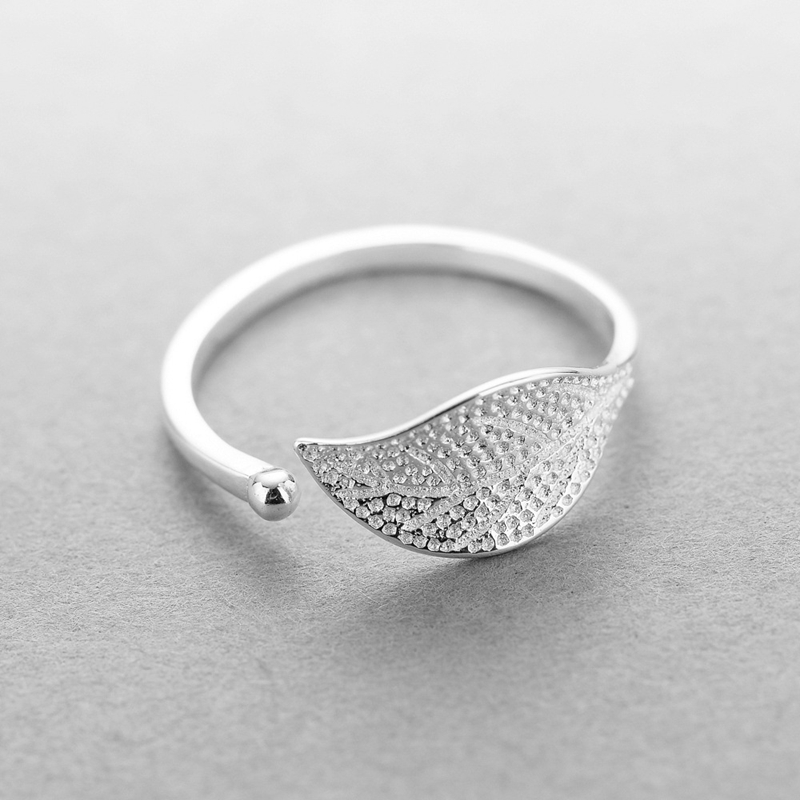 Image 2 - New 925 sterling silver fashion simple leaf ring female small fresh leaf rings adjustable forefinger silver 925 jewelry-in Rings from Jewelry & Accessories